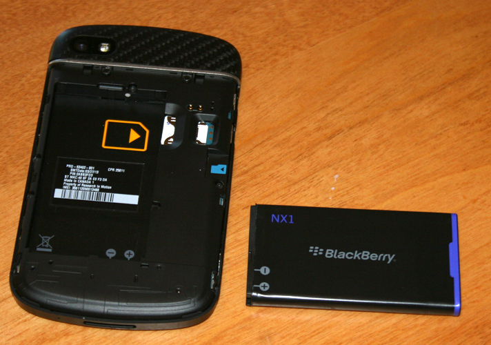 BlackBerry Q10 hands-on review: new take on a classic design | IT