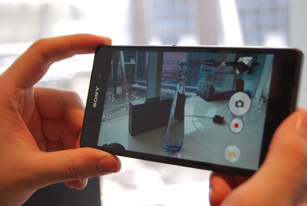 Sony Xperia Z2 - taking pictures with smartphone camera