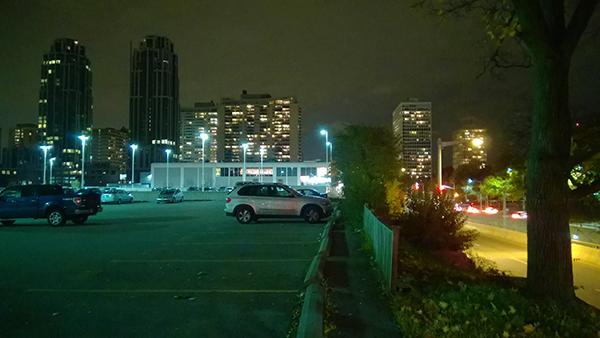 Lumia 830 outdoor night sample