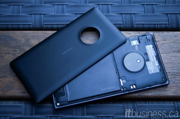 Lumia_830-4