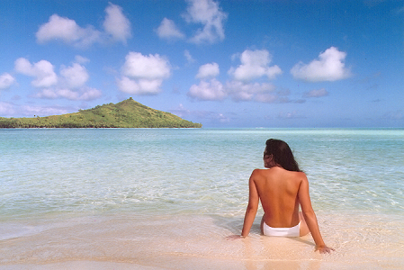 Jennifer in Paradise - Jennifer Walters (now Jennifer Knoll) in Bora Bora, August 1988 - PLEASE CREDIT JOHN KNOLL