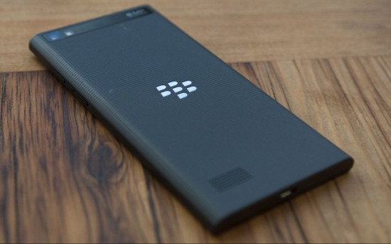 BlackBerry-Leap-back
