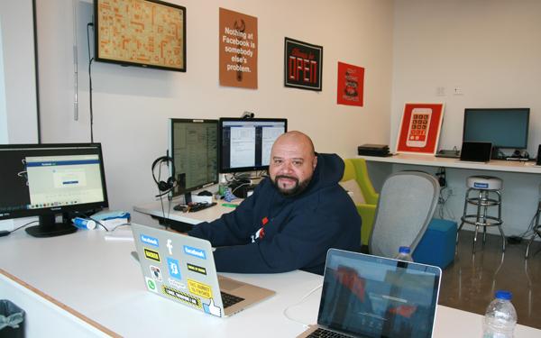 Facebook Slideshow 06 - IT Department