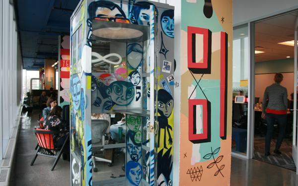 Facebook Slideshow 07 - Telephone Booth