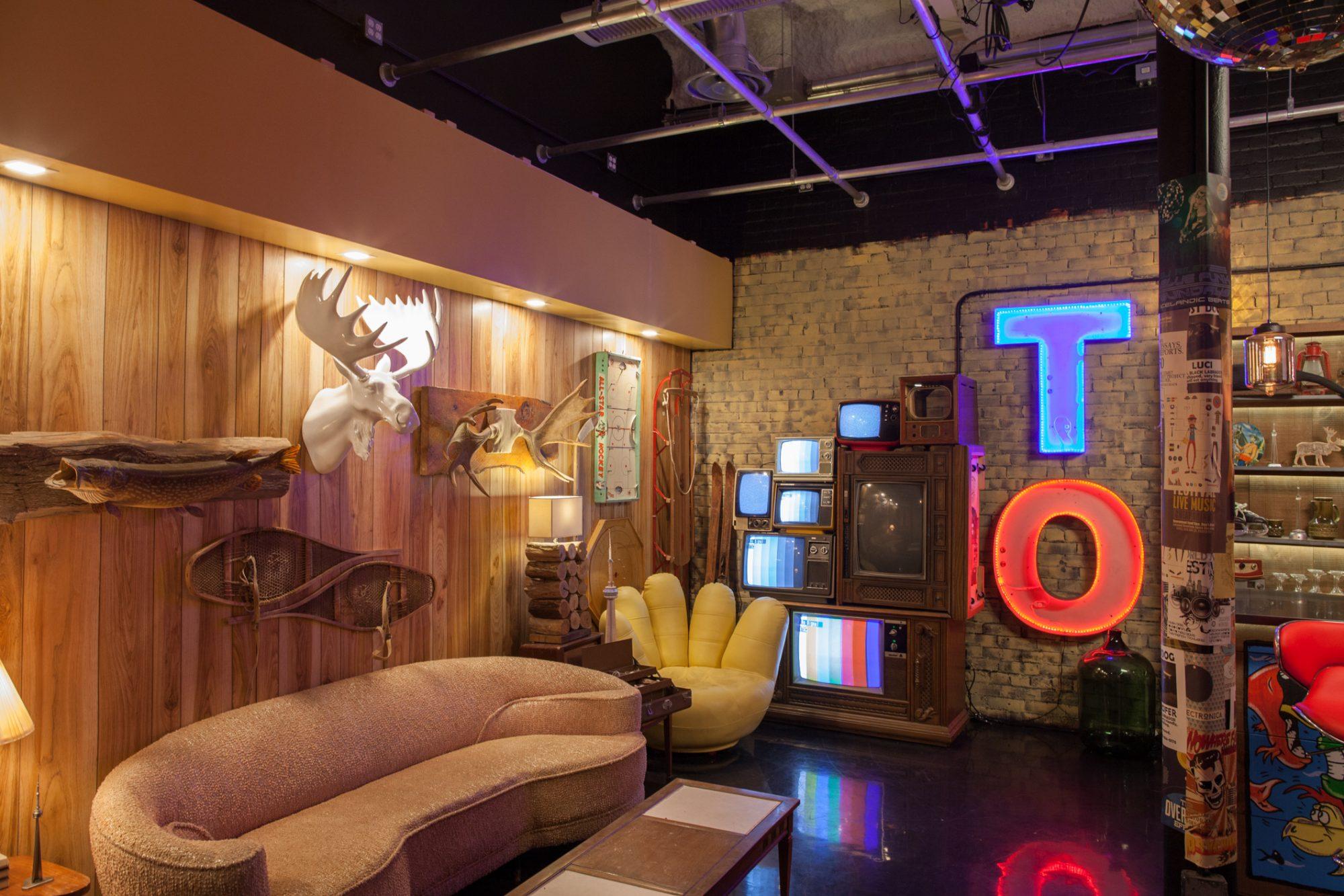 YouTube Space Toronto - Studio 1 Toronto set lounge