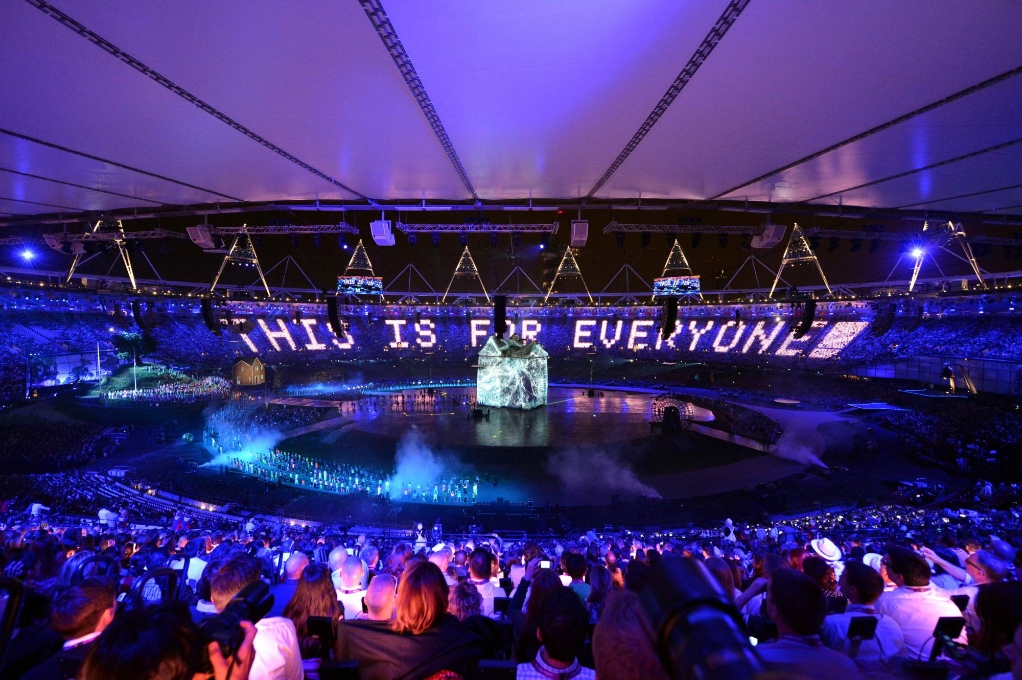 panasonic-projectors-light-up-london-2012-olympic-games-opening-ceremony