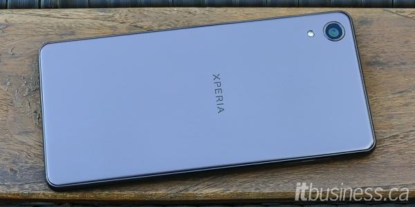 Sony Xperia X Performance-1