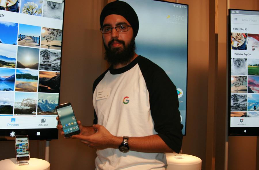Google's Ravneet Takhar demonstrates the Pixel for ITBusiness.ca.