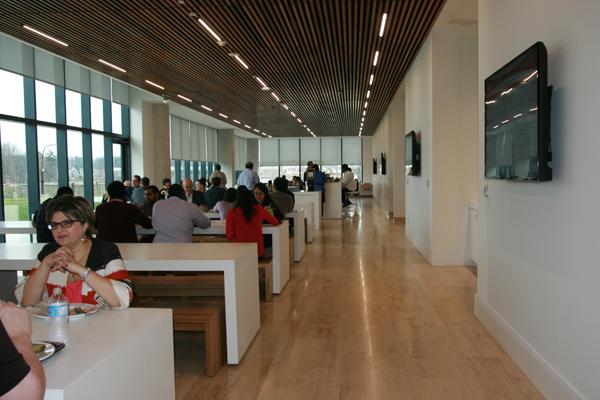 canon-hq-slideshow-14-cafeteria