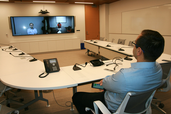 canon-hq-slideshow-9-video-conferencing