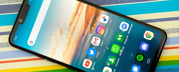LG G8 ThinQ review: the best LG phone closes the gap | IT